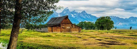 moulton-barn-morning-clarity_opt