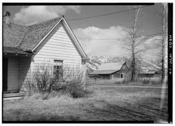 house-and-barn