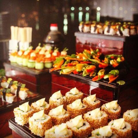 cakes wedding food station ideas