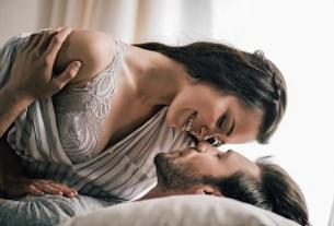sexy ways to turn on a guy
