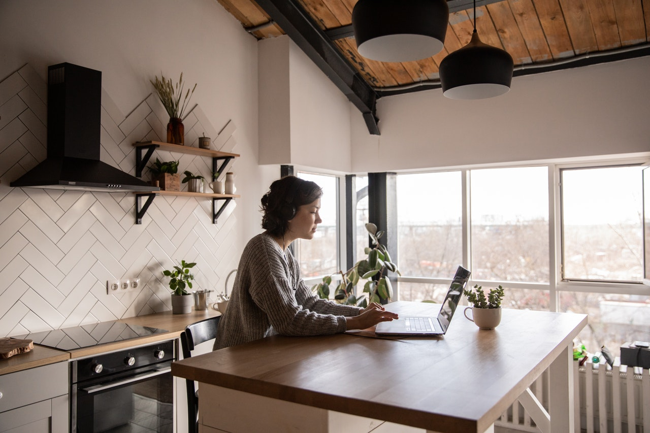 10 Tips To Stay Healthy While Working From Home
