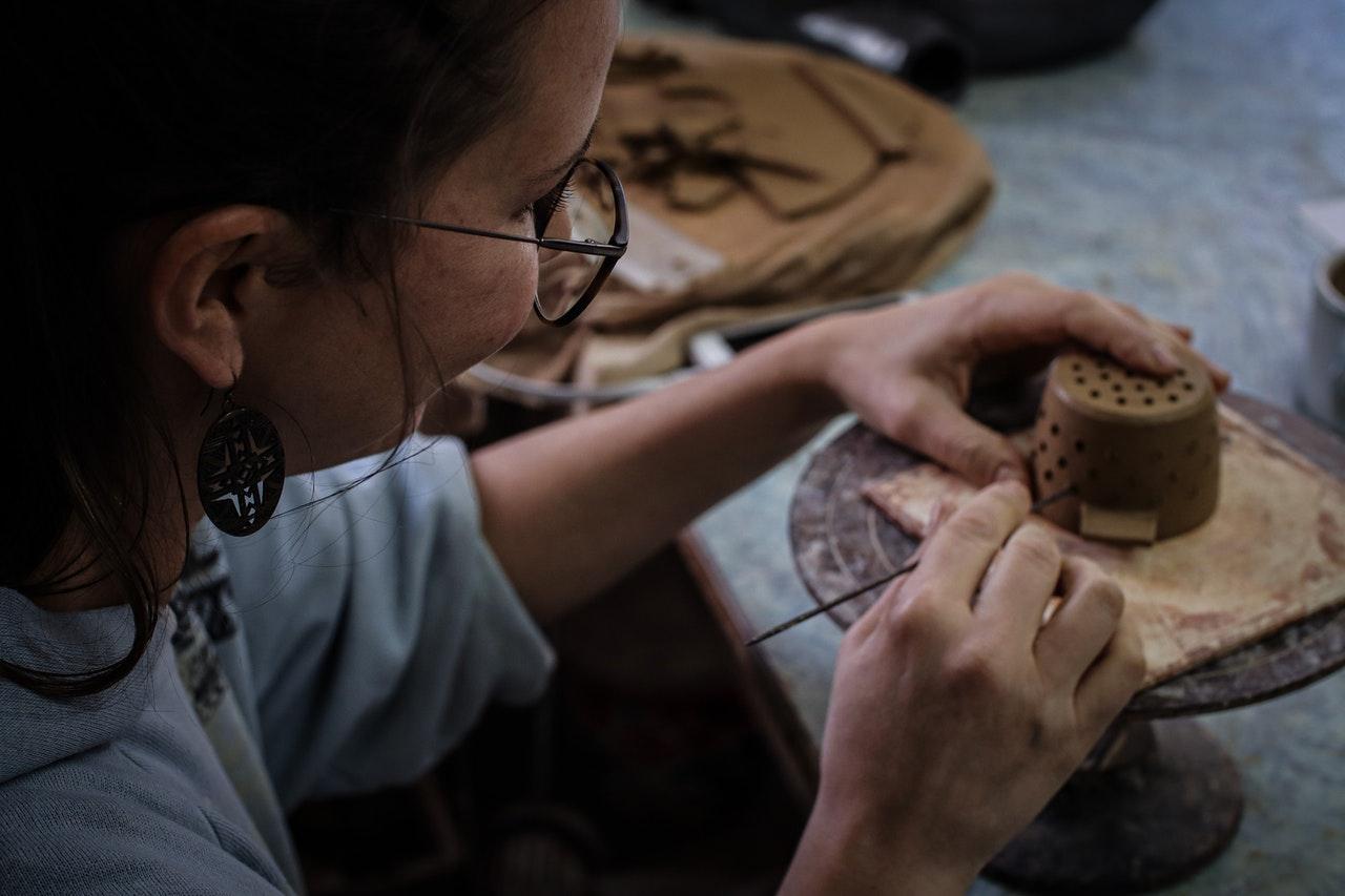 Indian Women Entrepreneurs Who Embark Craft Business And Get Success