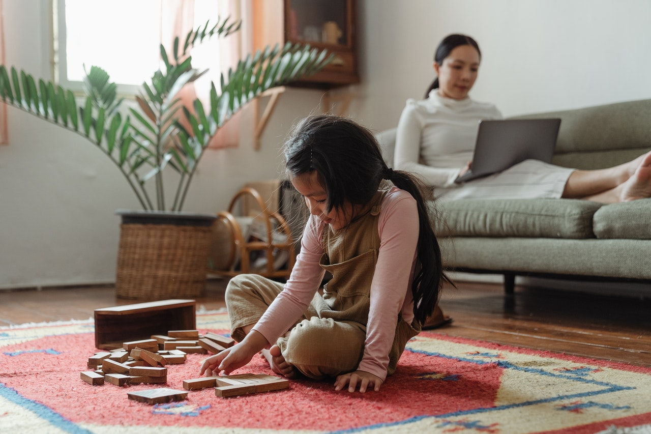 5 Ideas to Help Working Moms De-Stress