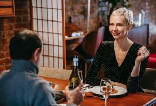 Mistakes to Avoid While Dressing Up for a Dinner Date