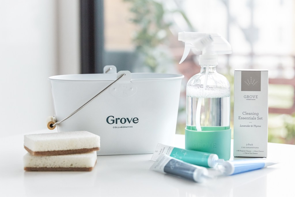 Creative Ways to Stay Organized with a Cleaning Caddy. Plus how to save money on cleaning supplies with Grove Collaborative.