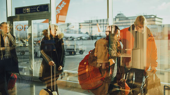 Airport, easyJet, Ryanair, UK stock market, FTSE 100, disruption