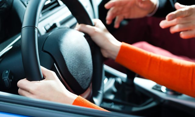 Driving lessons - The Internet Tips