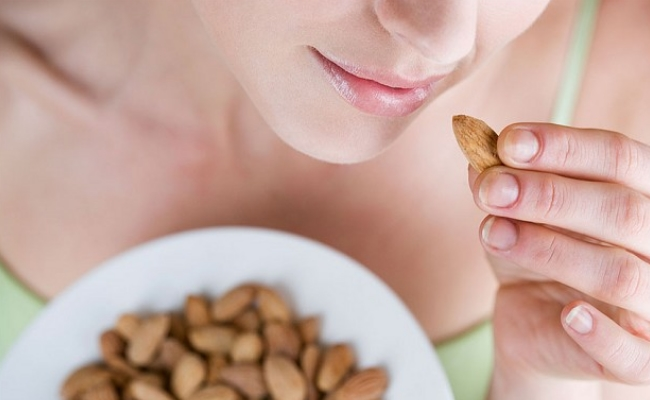 Almonds - 5 Foods That Burn Belly Fat