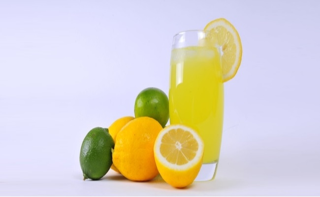 Drinking lemon juice - Top 10 Home Remedies For Obesity And Weight Loss