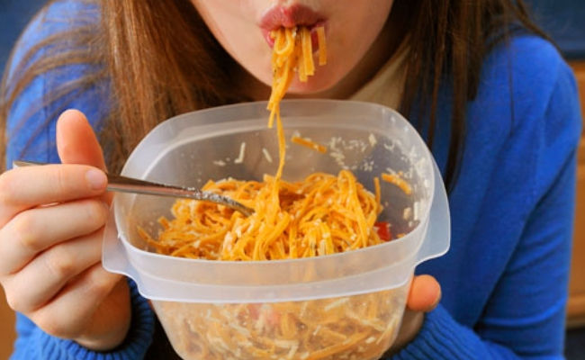Eating leftovers - 10 Bad Eating Habits Not Allowing You To Lose Weight Fast