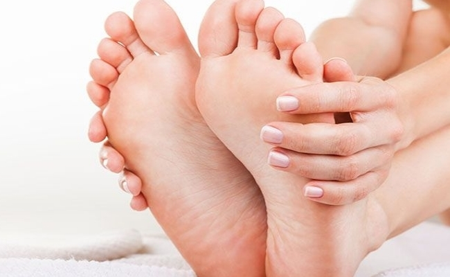 Swelling of hands and feet