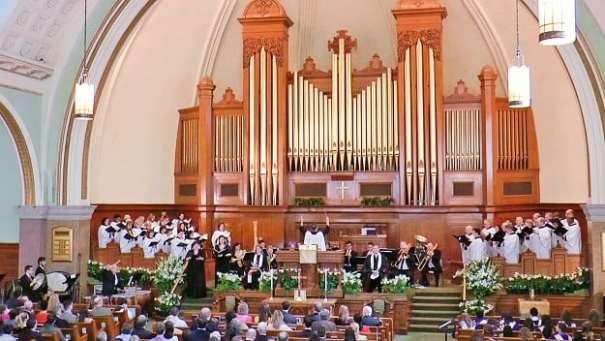 Choir singing at Presbyterian Church