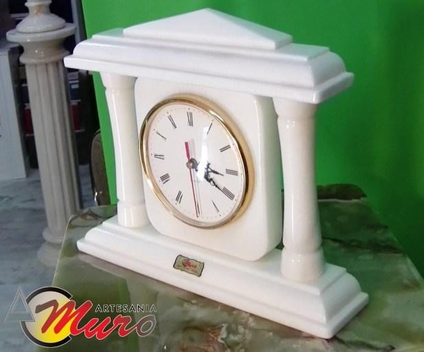 Reloj de mármol, Reloj de Columnas