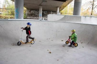 Nino & Yanni bei einer Poolsession