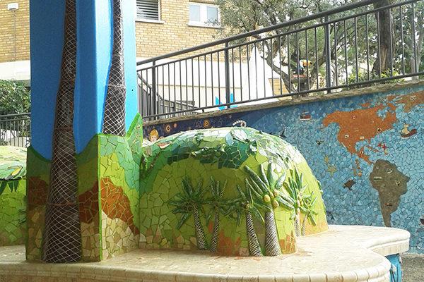 Tropical island bench, 4'50m, La Miranda School, Barcelona.