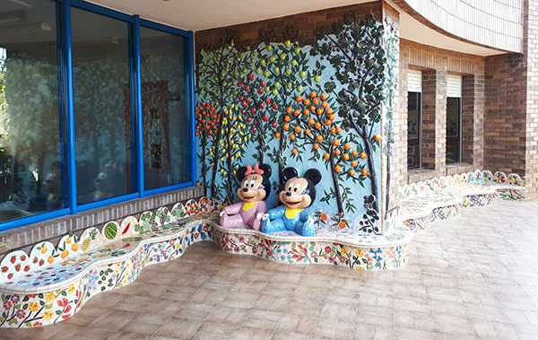 Mickey & Minnie mural and bench, , 9m x 3'10m, La Miranda School, Barcelona, 2016.