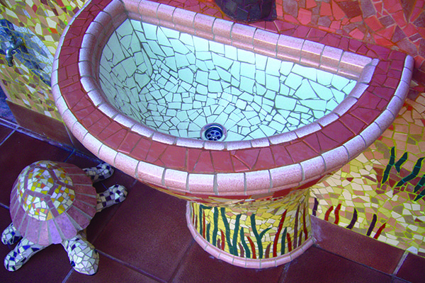 Fountain, 60cm x 40cm, private house, Tarragona.