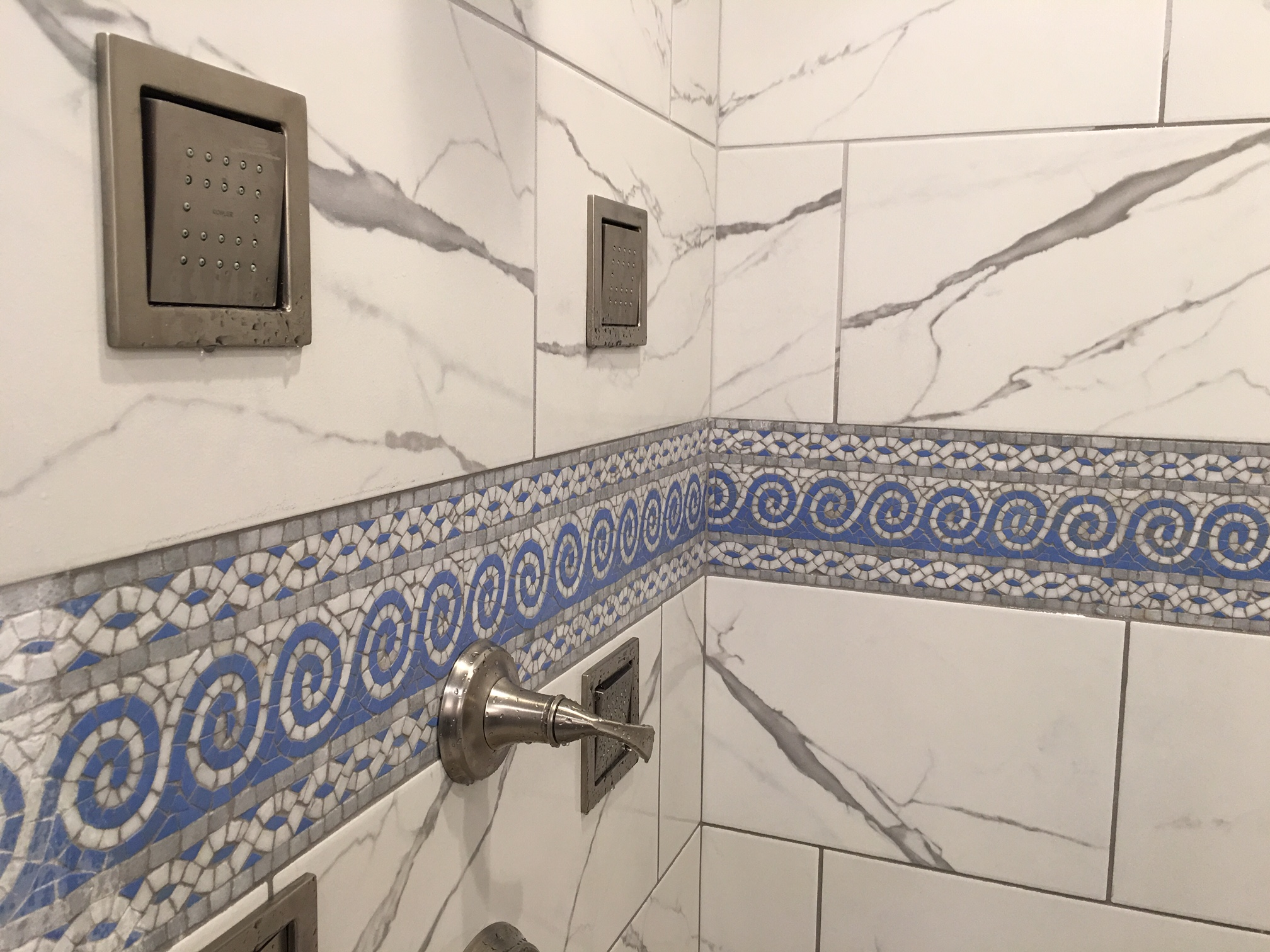 enhancing tiles with borders listellos