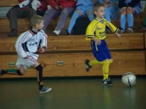 Halowy turniej w piłce nożnej żaków