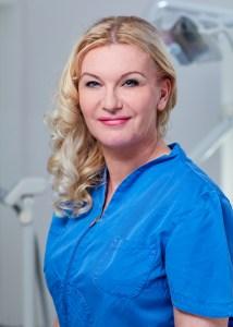 Tarnai Bernadett vezető klinikai fogászati higiénikus, szakasszisztens