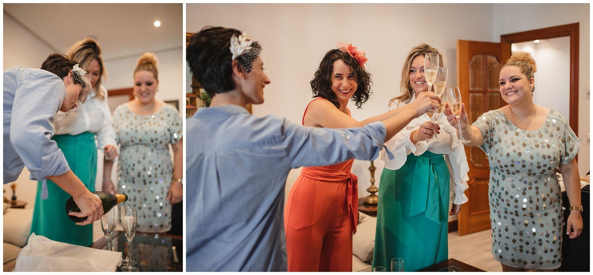 amigas de la novia brindando