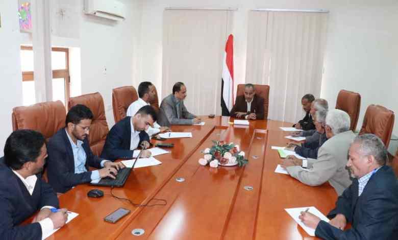 صورة اجتماع لهيئة النقل البري واتحاد نقابات عمال اليمن