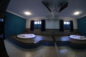 motelpousadalumiere_apartamento-simples-azul_02