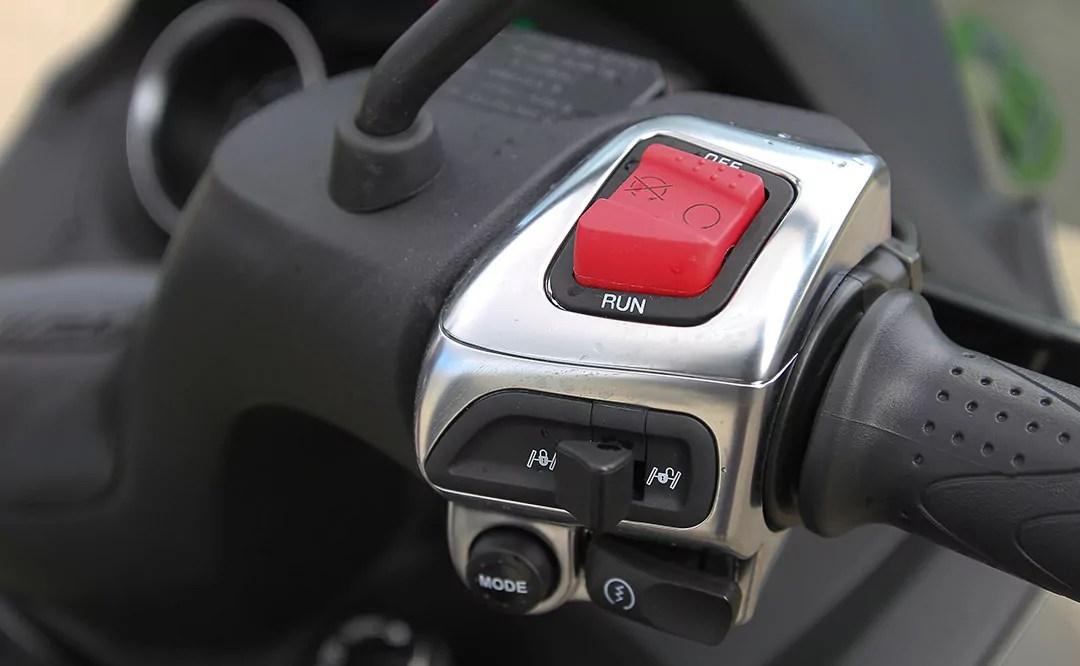 Piaggio MP3 350 (14)