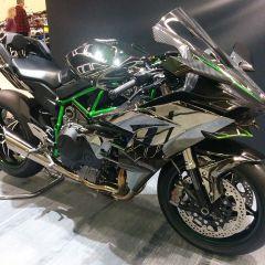 Kawasaki H2R a casi 400 km/h
