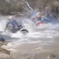 Cuando el rio suena, motos lleva