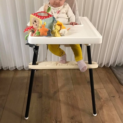 Highchair footrests