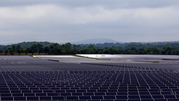 Inside the Huge Solar Farm That Powers Apple s iCloud     Mother Jones Apple s solar farm is said to be the largest privately owned array in the  US  James West Climate Desk