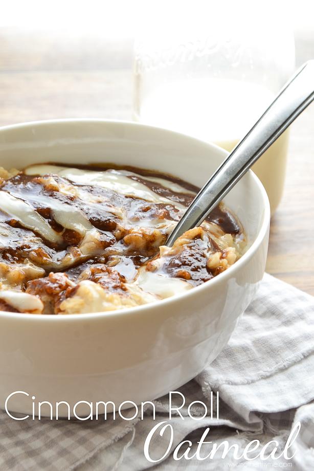 Cinnamon Roll Oatmeal | www.motherthyme.com