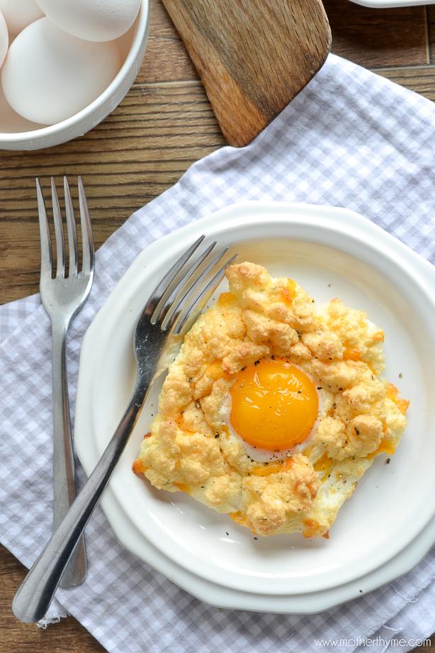 Cheddar Bay Egg Nests | www.motherthyme.com