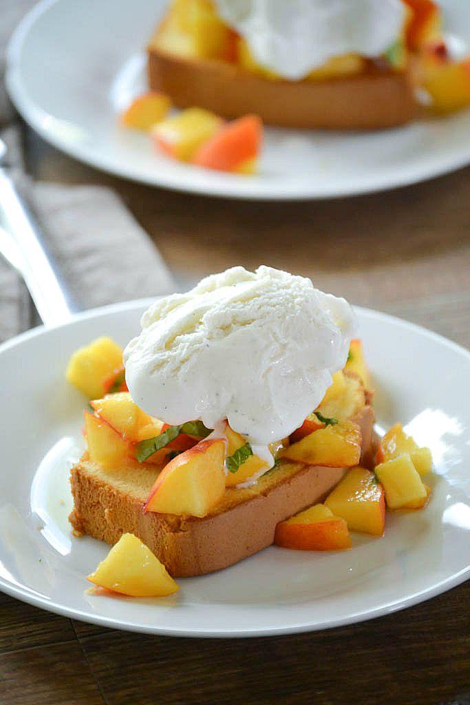 Pound Cake & Peaches Sundae | www.motherthyme.com