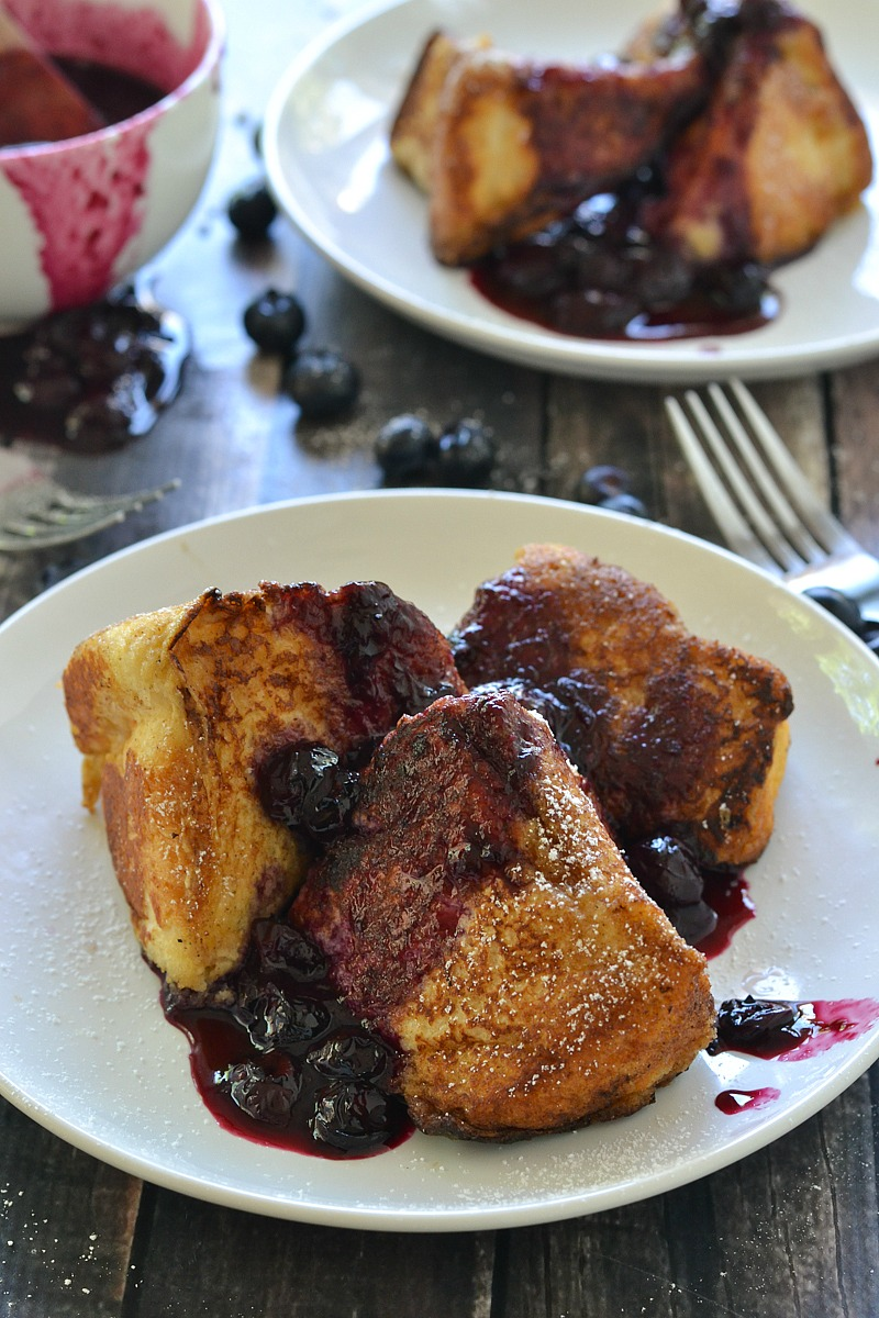 Angel Food Cake French Toast w/ Blueberry Compote | www.motherthyme.com