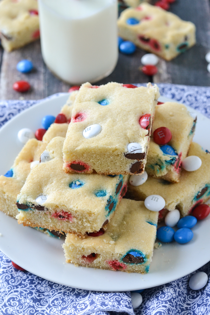 M&M Sugar Cookie Bars | www.motherthyme.com