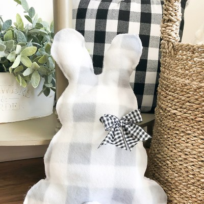 No-Sew Bunny Pillow