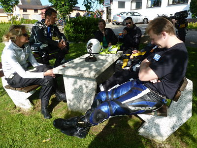 Theorie tijdens de bergtraining - Moto Maestro Motortrainingen.