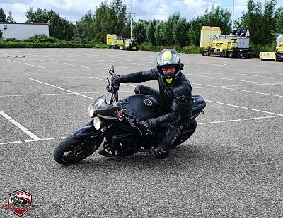 Kneedown training Stuurtechniek motortrainingen