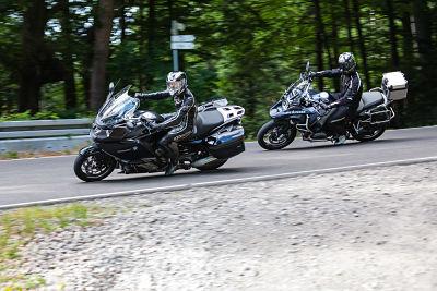 Privé training op de motor. Motorrijles. Moto Maestro