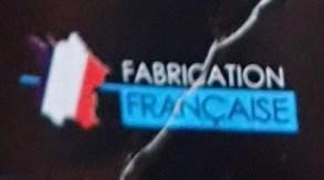 l' essai d'un produit dégraissant Unpass: le logo d'une fabrication française