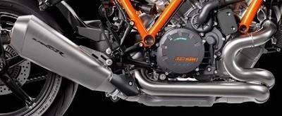 essai du roadster KTM Superduke version 2020 vue sur l'échappement côté droit