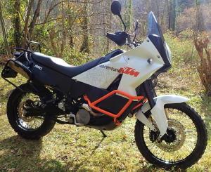 Une autre moto toute propre après le nettoyant drywash