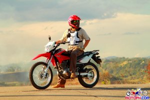 TOUGH EXTERIOR – Scoyco AM05 Chest and Back Protector