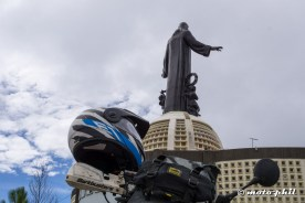 moto.phil's Schuberth E1 (hunter blue) with Cristo Rey statue in background