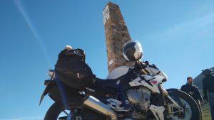 Motorrad am Col d'izzard
