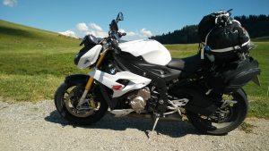 S1000R vor dem Mont Blanc