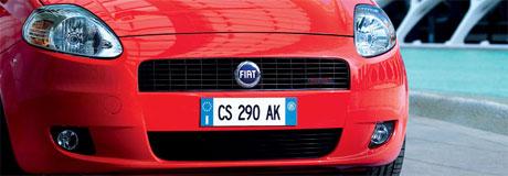 Fiat Uno y un Crossover