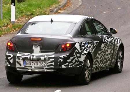 Foto espía del interior del nuevo Opel Vectra